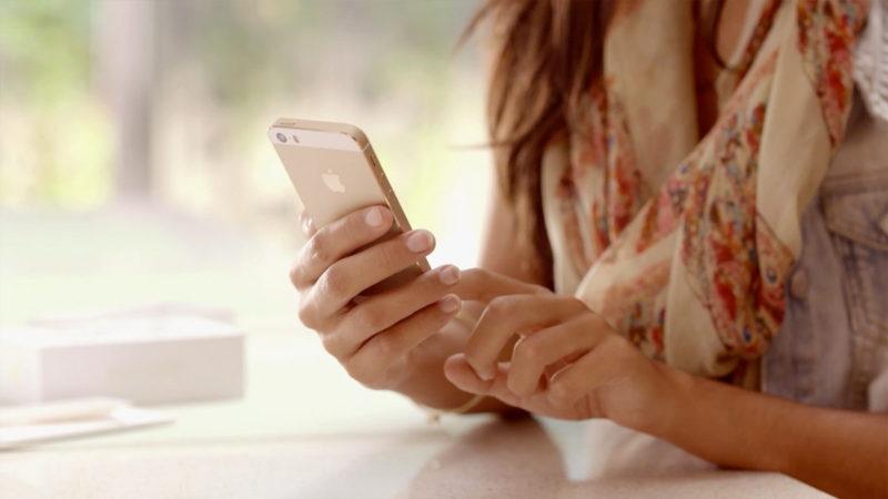 El MCommerce son aplicaciones móviles que se encuentran dentro de dispositivos móviles con las que podemos llevar a cabo el proceso de compra y venta de productos abriendo un nuevo canal de venta