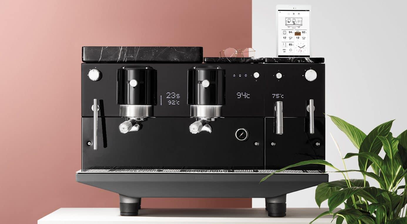 Maquina espresso de Iberital y app creada por app2U para un control exhaustivo de los registros